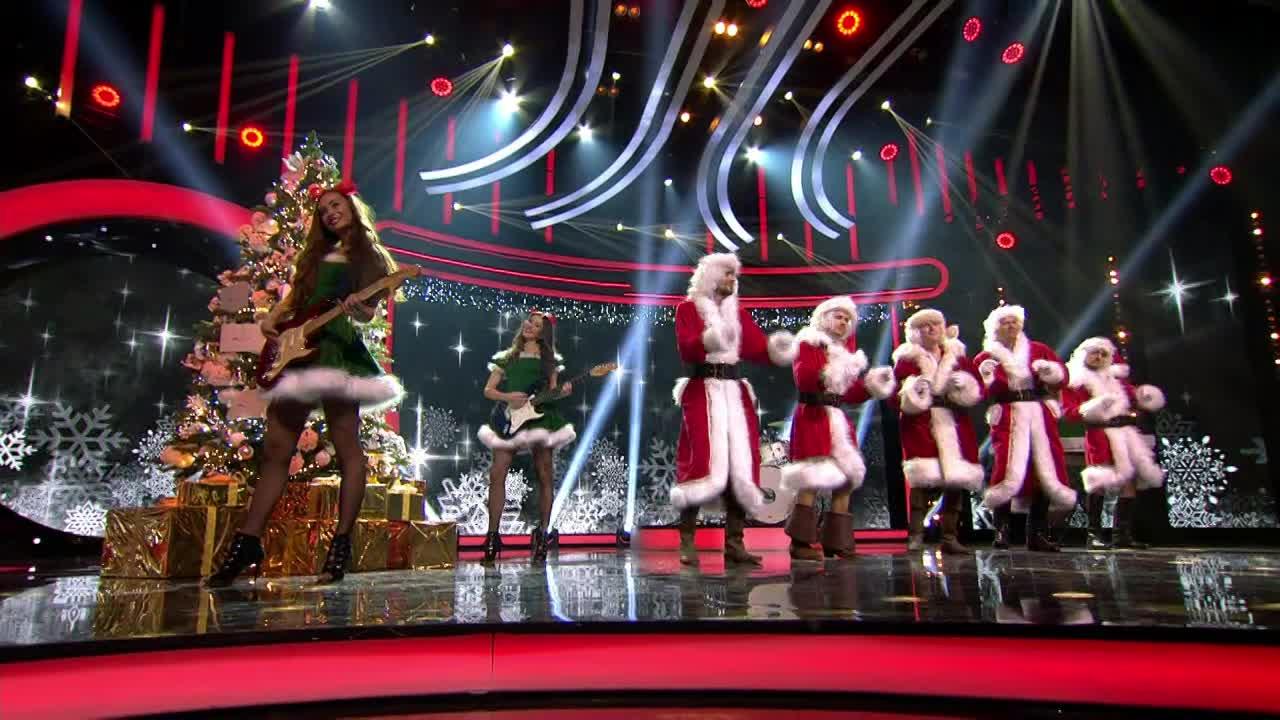 Sexy slovenskí herci - Christmas is All Around