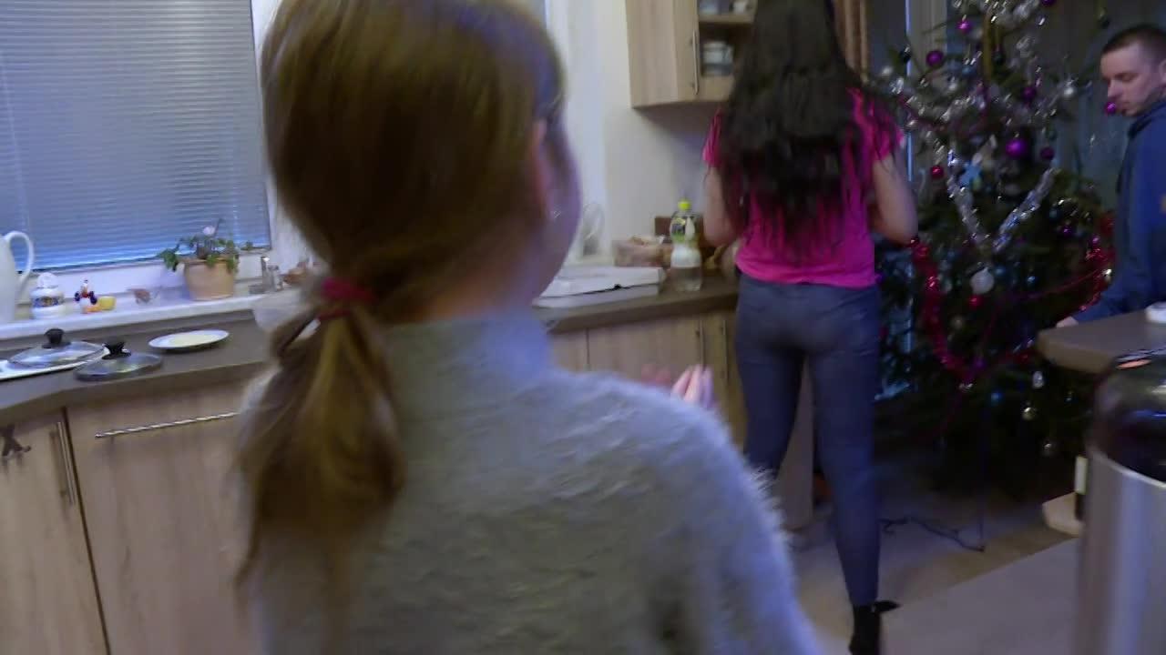 Zámena manželiek ukážka - 12-ročná dcéra vybielila mame účet